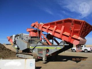 2012 Sandvik QH440 Cone Crusher Photo
