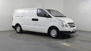 2015 Hyundai iLoad TQ2 4D Van Photo