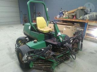 1995 John Deere 3235 Mower (Ride on) Photo