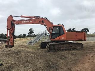 Daewoo SL290LC-V Excavator Photo