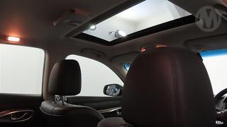 2016 Infiniti Q70 GT 4D Sedan Photo