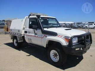 2014 Toyota Landcruiser 76/78/79 Series Workmate Fire Truck GCM 6,740kg Photo