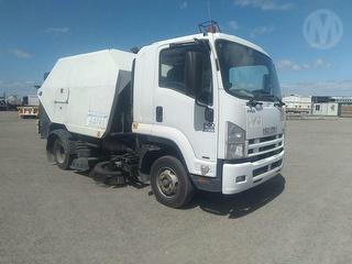 2011 Isuzu FRR 600 Sweeper GCM 16,000kg Photo