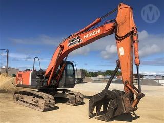 2005 Hitachi ZX200-3 Excavator Photo