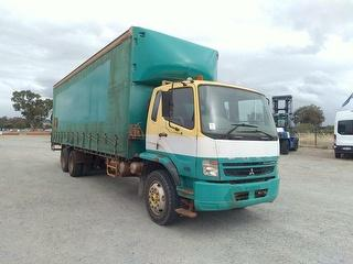 2009 Mitsubishi FN 600 Fighter Curtainside GCM 32,000kg Photo