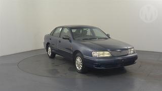 2002 Toyota Avalon Mk II Sorrento 4D Sedan Photo