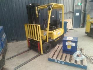 2011 Hyster J1.8 XNT Forklift(electric) Hydraulic Controller Issue Photo