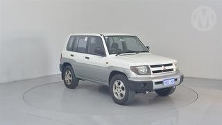 1999 Mitsubishi Pajero QA iO 5D S/Wagon Photo