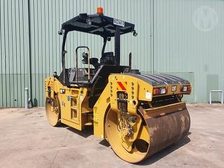 2018 Caterpillar CB7 Roller (Compactor) Photo