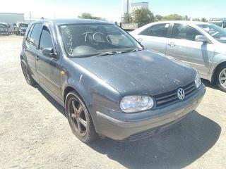 1998 Volkswagen Golf Hatch Photo