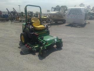 2015 John Deere 997 Mower (Ride on) Photo