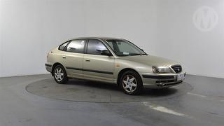 2004 Hyundai Elantra GL 5D Hatch Photo