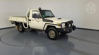 2015 Toyota Landcruiser 76/78/79 Series Workmate 2D Cab Chassis (QFleet) Photo