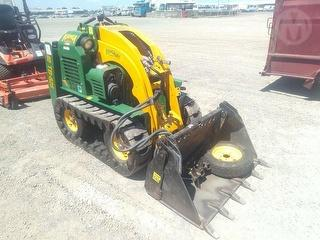 2013 Kanga TB-825 Tracked Mini Loader Photo