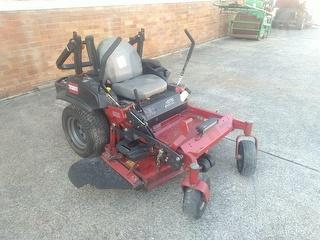 Toro 2000 Series Z Master Mower (Ride on) Photo