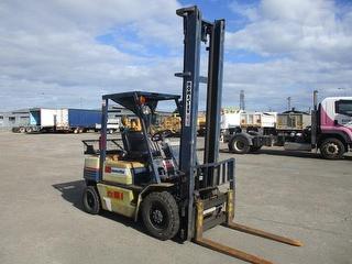 Komatsu FG25T-11 Forklift (GP) Photo