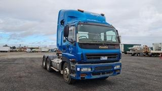 2004 Isuzu Gigamax Custom Prime Mover GVM 24,000kg Photo