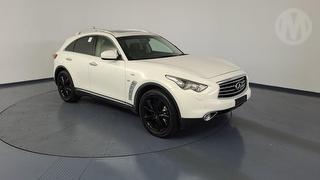 2015 Infiniti QX70 GT 5D S/Wagon Photo
