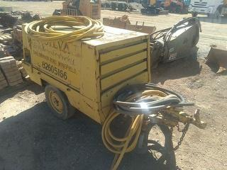 1987 Atlas Copco XAS40 air Compressor Photo