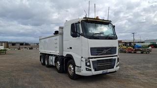 2011 Volvo FH16 600 Tipper GVM 34,000kg Photo
