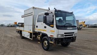 2007 Isuzu FRR500 Crew Service Truck GVM 10,400kg Photo