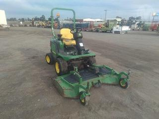2010 John Deere 1445 Mower (Ride on) Photo