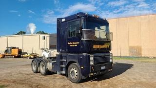 2001 Mack Magnum Prime Mover GVM 24,500kg Photo