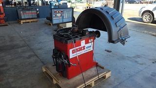 Coates 1250 Wheel Balancer Workshop Equipment (GP) Photo