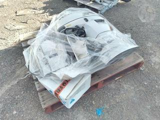 Honda Outboard 4 -stroke 50hp Outboard Motor ***gearbox Needs Replacing*** Photo