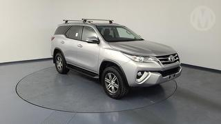 2017 Toyota Fortuner GXL 5D 4WD Photo