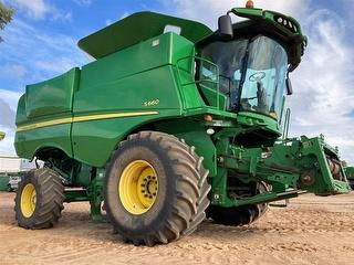 2012 John Deere S660 ON Front Harvester (Grain) (WA) Photo