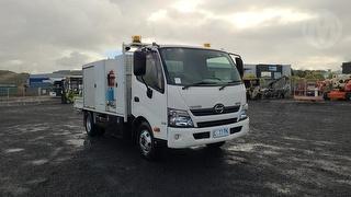 2012 Hino 300 Service Truck GVM 6,500kg Photo