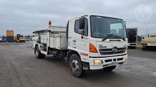 2008 Hino 500 1727 Service Truck GCM 32,000kg Photo