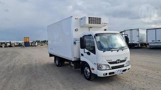 2014 Hino 300 Pantech GCM 7,300kg Photo