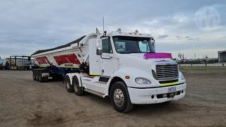 2007 Freightliner Columbia CL112 Prime Mover Sold with Lot 306 Dual Side Tipper GVM 24,000kg Photo
