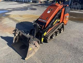 2017 Ditch Witch SK600 Loader Photo