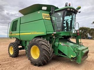 2005 John Deere 9760 With 36ft Draper Harvester (Grain) (SA) Photo