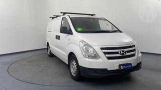 2016 Hyundai iLoad TQ3 5D Van Photo