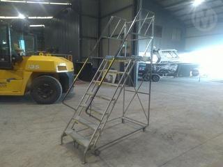BJ Turner GTS Platform Ladder Photo