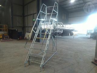 BJ Turner GTS 29/9 Platform Ladder Photo