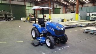 2016 New Holland Boomer 25 Compact Tractor Photo