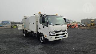 2013 Hino 300 717 Service Body GVM 6,500kg Photo