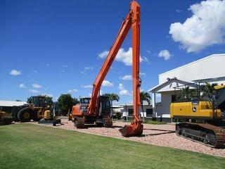 2004 Hitachi ZX200LC Long Reach Excavator Photo