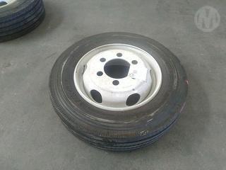 Michelin 225/70 R19.5 Wheel Photo