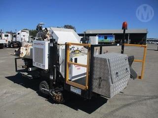 2014 Arrow Slipformer Kerb Machine Photo