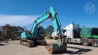 Kobelco SK200 Excavator Photo