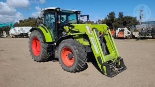 Claas Arion 440 Tractor Photo