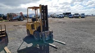 Towmotor Forklift (GP) Photo