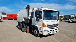 2015 Hino FE 500 1426 Sweeper GVM 14,000kg Photo