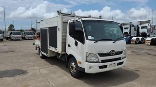 2012 Hino 300 917 Service Truck GCM 12,000kg Photo
